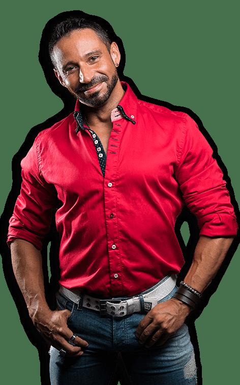 Rubén Lara con Camisa Roja